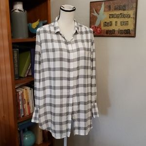 LOFT BLACK AND WHITE TOP SIZE XL